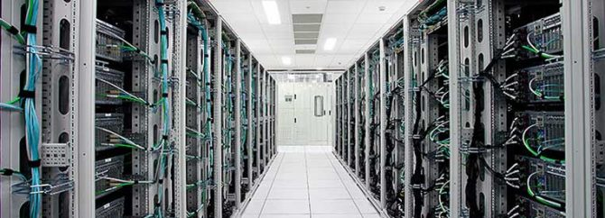 مرکز داده و تجهیزات مورد نیاز